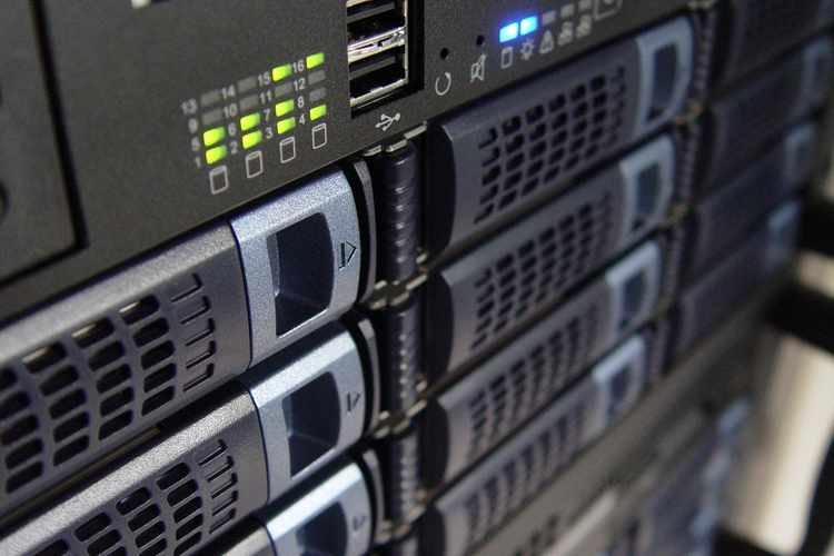 NginxとApacheのWEBサーバー比較そのメリットデメリット